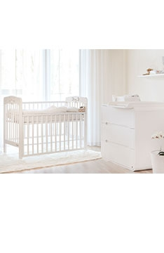 WHITE YappyPlay baby cot and YappyOwl dresser